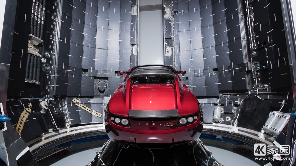 space-x-tesla-roadster-waiting-for-space-ox-3840x2160.jpg