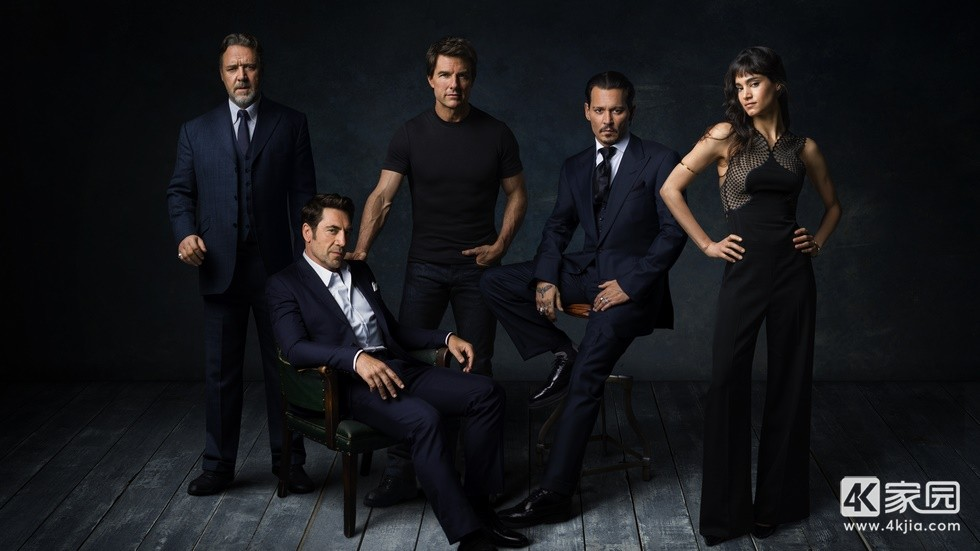 dark-universe-russell-crowe-javier-bardem-tom-cruise-johnny-depp-and-sofia-boute.jpg